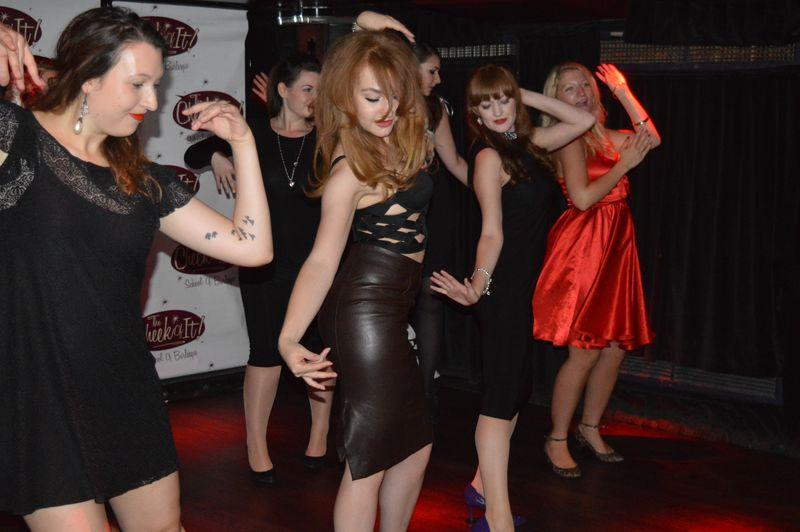 Cheeky dance 10