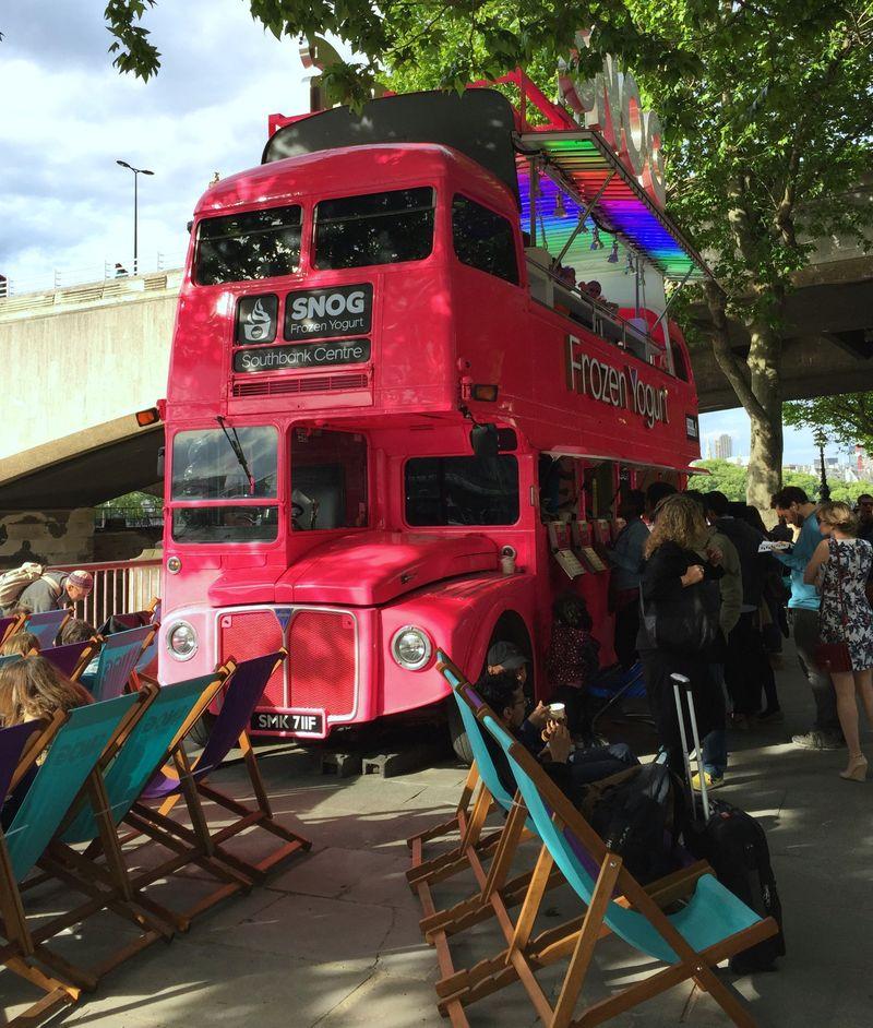 Blogger Snog Bus