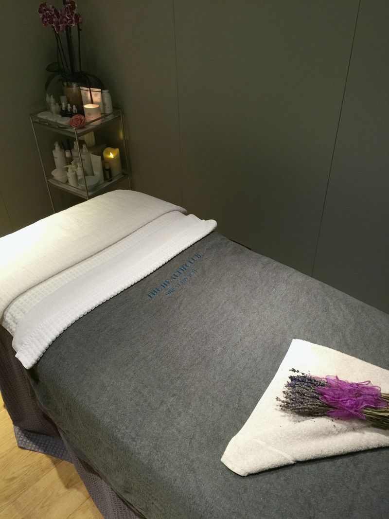 Oskia Signature Glow Facial One Aldwych