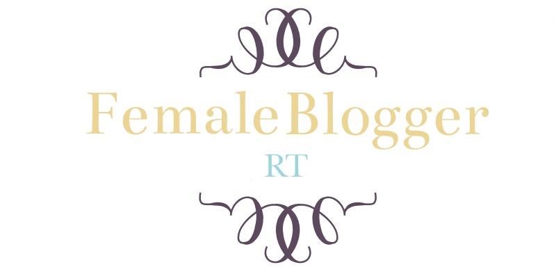 Female Blogger