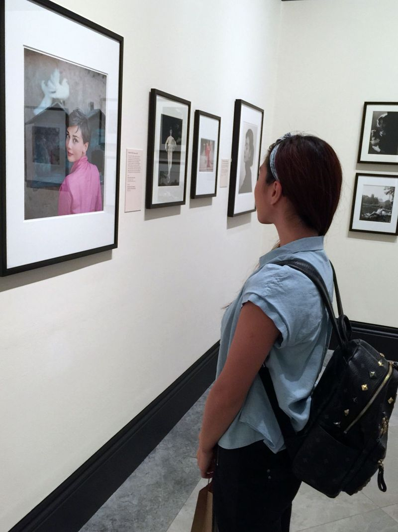 Bloggers see Audrey Hepburn show